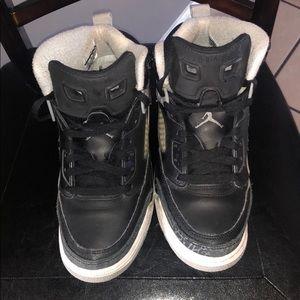 Youth boys Jordan Spizike size 7y black